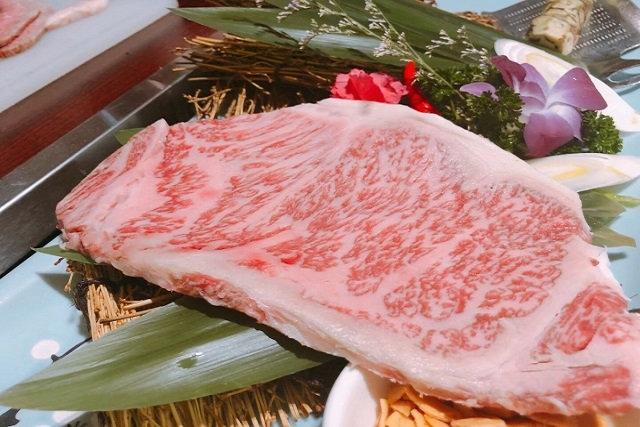 ステーキを烏丸御池駅の周辺で堪能!美味しい国産和牛を提供する【焼肉ダイニング 甲(キノエ)】